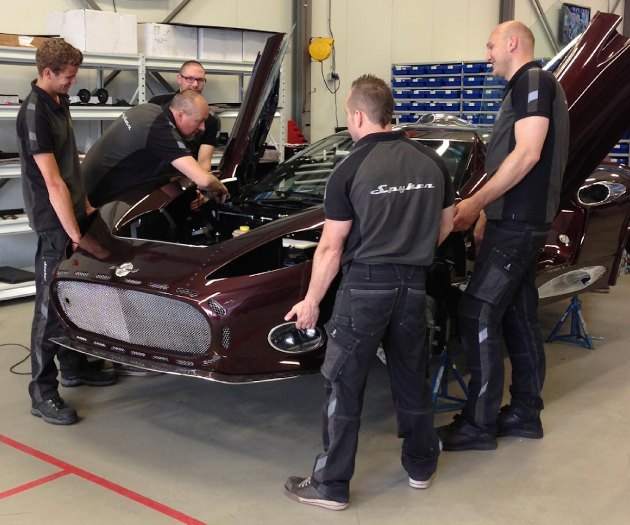 The custom vehicle being assembled by Spyker colleagues