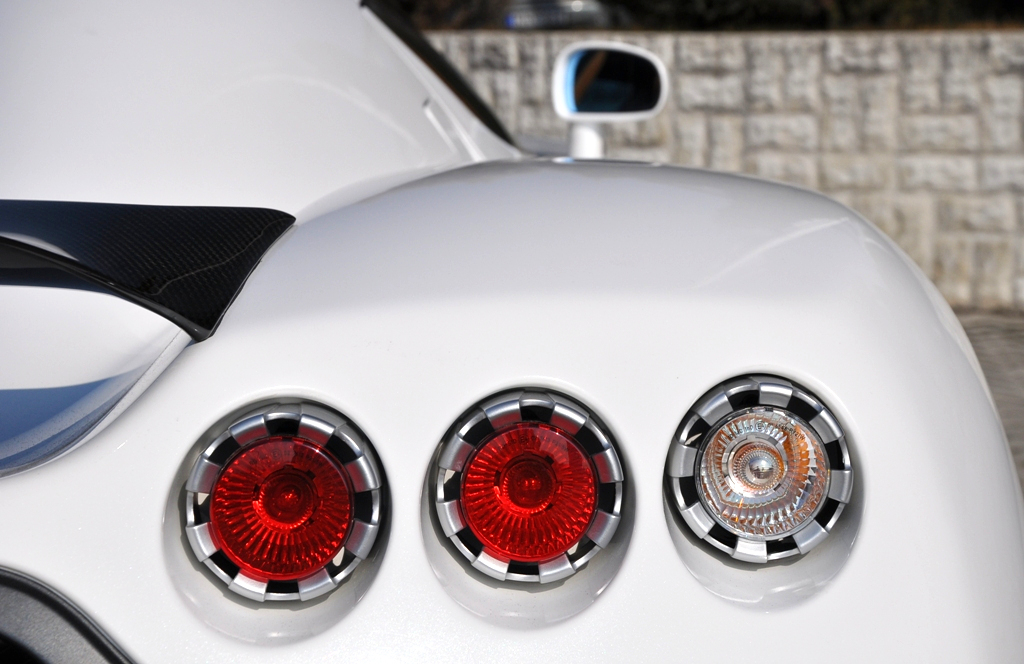 Triple tail lights on a Koenigsegg CCX